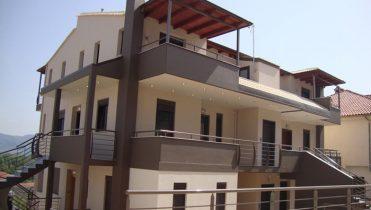Строительство жилого комплекса с видом на озеро Янина