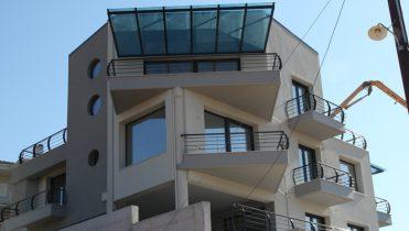 Complesso di costruzioni con facciata di isolamento termico